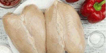Сочная запеченная куриная грудка - фото